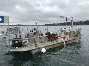 Chargement de notre barge Mortimer pour partir en location chez notre client