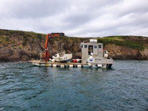 Renflouage d'un bateau échoué à la pointe de la Varde à Rotheneuf
